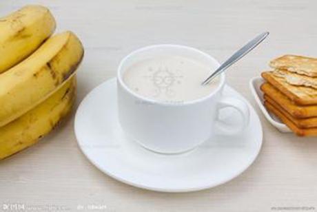 牛奶香蕉面膜_巧用香蕉自制面膜,KEEP住白嫩肌肤 - 卡德兰深圳美容美发化妆 ...